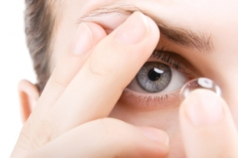 How contact lenses work