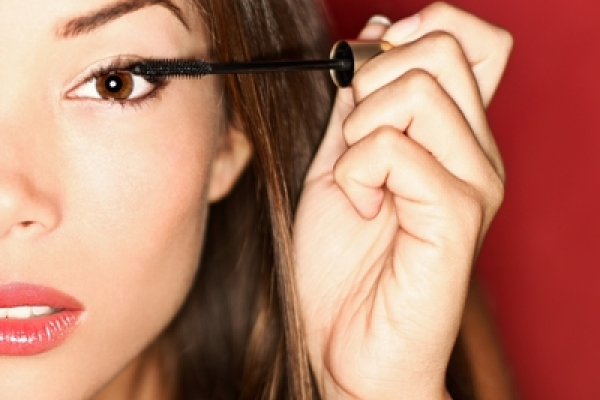 Makeup For Contact Lens Wearers